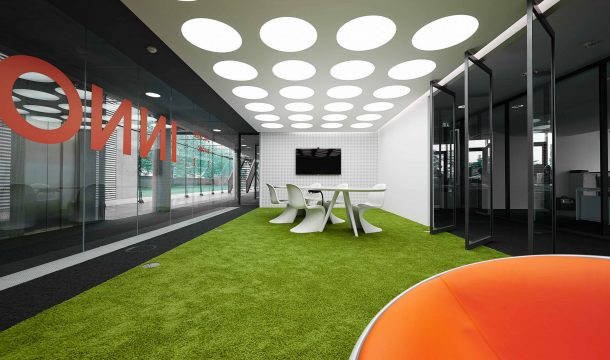 conference room with green flooring for the office innocean