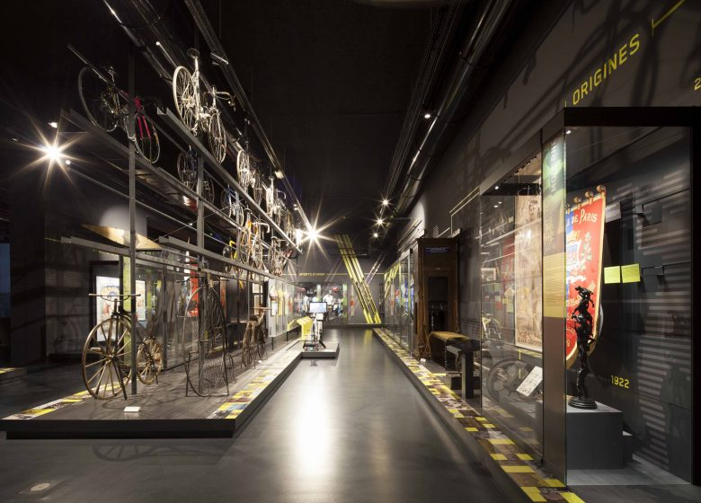 Museum with black interior in Nice
