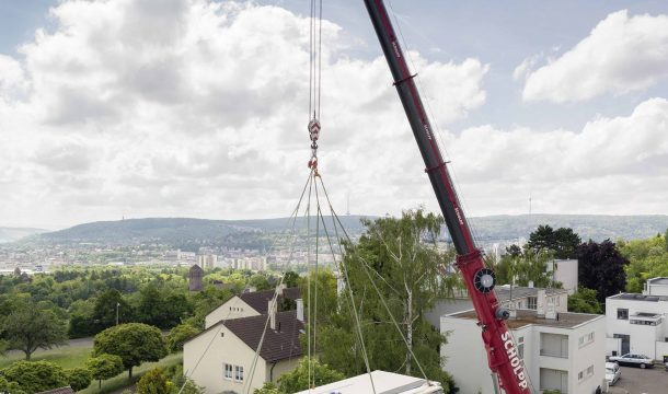 Delivery of the Aktivhaus to the site