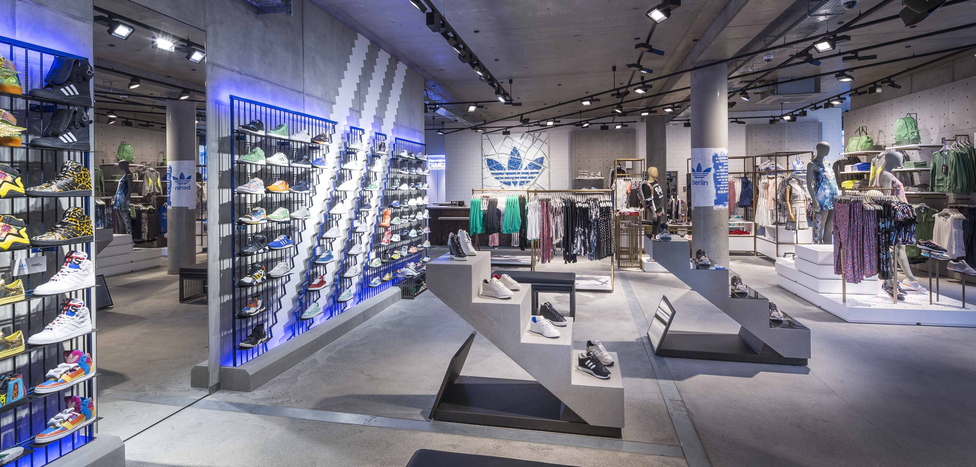 Adidas originals flagship store ganter for Design shop de
