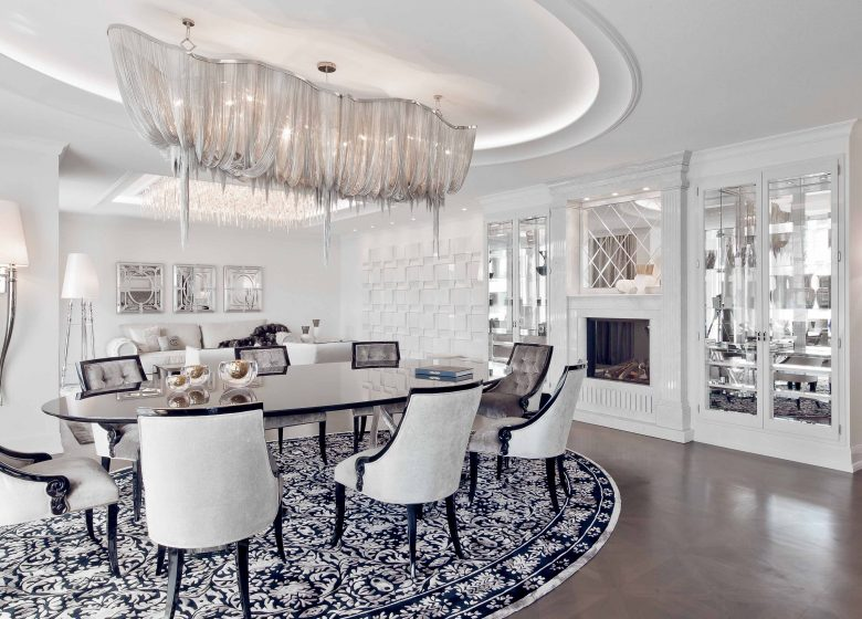 Dining room with high gloss lacquered table in a luxurious city apartment 2